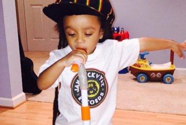 Apareceu o novo rei do reggae e ele tem apenas dois anos