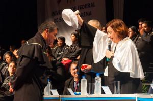 Adelino Gonçalves foi o primeiro formando da noite. Foto: Henrique Almeida/Agecom/DGC/UFSC