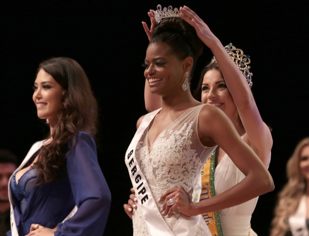 ana-luisa-castro-candidata-de-sergipe-recebe-a-coroa-de-miss-mundo-brasil-2015-1435460134784_615x470