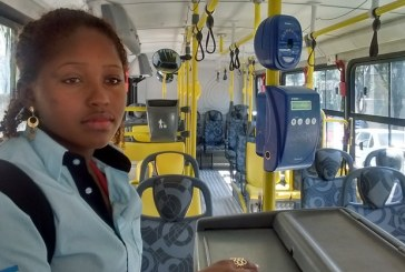 Passageira chama cobradora de 'neguinha atirada' e depois chora ao ser presa