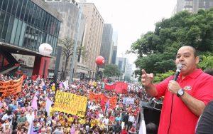 Cunha-protesto-2-Roberto-Parizotti-CUT