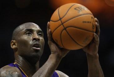 Em carta ao basquete, Kobe anuncia aposentadoria ao fim da temporada