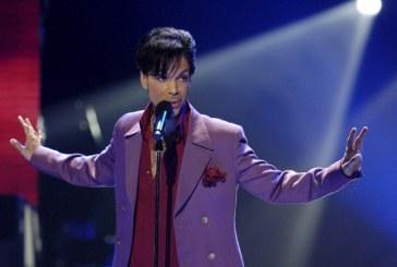 Fitas com material inédito de Prince são retiradas de cofre na casa dele e família ameaça processar