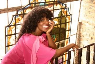 Morre a cantora Carmen Silva, aos 71 anos, devido a uma parada cardíaca