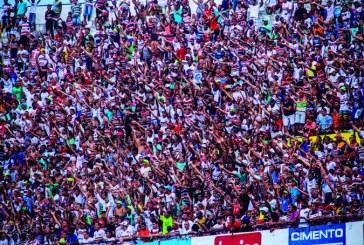 Estádios de futebol devem exibir mensagem contra o racismo