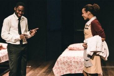 Estudantes da escola pública vão de graça a peça com Lázaro Ramos