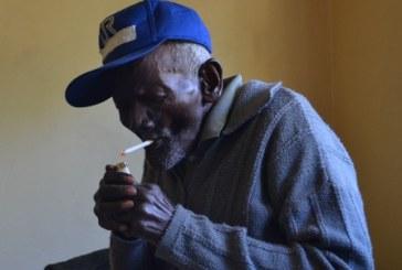 """""""Nunca fui escravo, mas a mãe era"""", conta quilombola de 128 anos que vive em Bauru (SP)"""