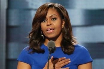 'Educamos meninas mal porque tratamos mulheres mal', diz Michelle Obama