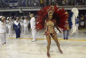 """Rainha de bateria é vítima de racismo em Cariacica: """"Não vou me calar"""""""