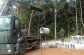 Moradores protestam contra interrupção de obra no Quilombo Rio dos Macacos