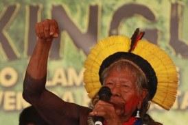 No barracão da Imperatriz, Raoni e líderes indígenas alertam sobre o Xingu