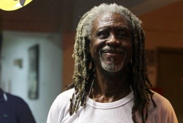 """""""Para branco sempre tem espaço"""", diz Vovô do Ilê sobre dívida do bloco afro"""