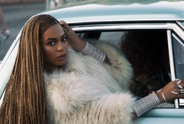 Bell hooks Offers Complicated Criticism on Beyoncé's 'Lemonade'