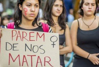 Feminicídio é fenômeno político, não apenas de gênero, dizem palestrantes
