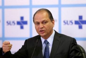 """Ministro da Saúde diz que obesidade infantil é culpa das mães que """"não ficam em casa"""""""