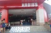 Morte Habib's: vídeo mostra funcionários arrastando garoto desmaiado pela rua