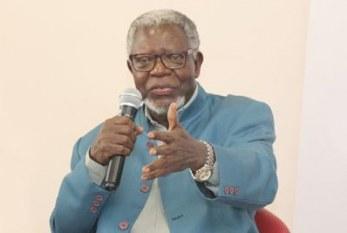 'Mito da democracia racial faz parte da educação do brasileiro' diz antropólogo congolês Kabengele Munanga