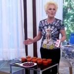 """Ana Maria ganha doces de Taís e diz: """"Para de bullying com minha abóbora"""""""