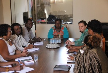 Secretária Macaé Evaristo discute parcerias para congresso de pesquisadores negros