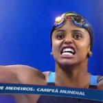 Negra e nordestina, Etiene Medeiros faz história ao ser primeira mulher brasileira campeã mundial de natação
