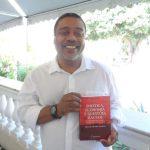 Economista Elias Sampaio lança livro sobre política, economia e questões raciais