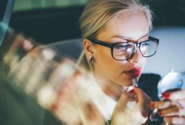 """""""Passa só um batonzinho"""": pressões de ser mulher em um ambiente corporativo"""