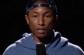 Pharrell Williams faz discurso contra o racismo em premiação