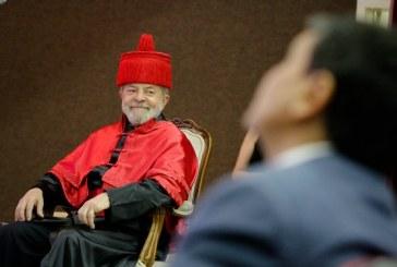 Aguinaldo Silva tenta diminuir Lula sugerindo que ele nunca leu um livro e se dá mal