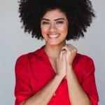 Ana Flavia Cavalcanti, a Dóris de 'Malhação', fala de racismo e cuidado com o cabelo