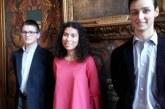 Jovem escolhida para encarnar Joana d'Arc é alvo de racismo em França