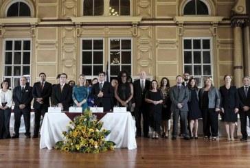 Presidente eleito da Costa Rica apresenta gabinete com maioria de mulheres