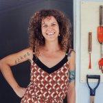 Cecília Bona, a dona da empresa de serviços gerais que atende apenas mulheres e LGBTs