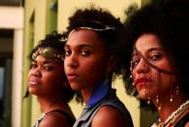 Mulheres fazem apresentação para falar sobre machismo, violência e preconceito em Cariacica