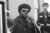 """Co-fundador dos Panteras Negras, Elbert """"Big Man"""" Howard, morre aos 80 anos"""