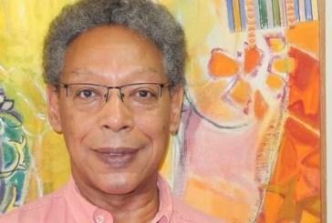 Jacques d'Adesky lança livro no Rio de Janeiro