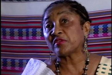 Maranhense Maria de Lourdes Siqueira lança livro na Feira do Livro