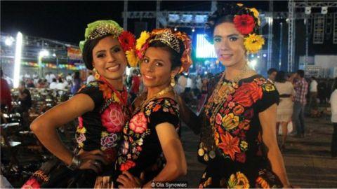Mulheres Mexicanas em festival