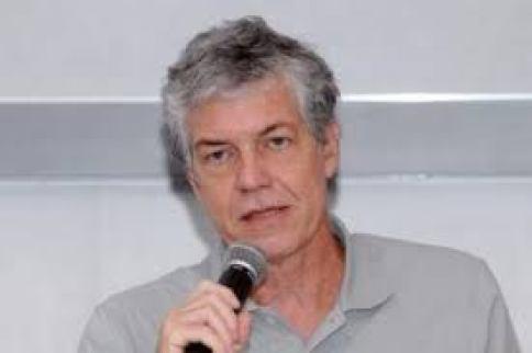 Foto do especialista em pobreza Francisco Menezes