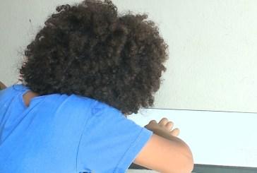 Diretora impede criança com cabelo afro de ser matriculado em escola do Maranhão