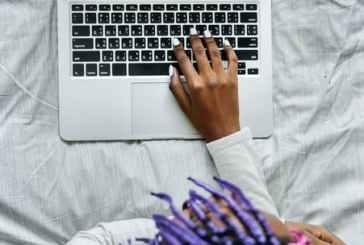 82,8% das profissionais de TI já sofreram preconceito no ambiente de trabalho