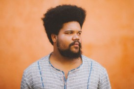 Amaro Freitas une a cultura popular afro-brasileira e o jazz em 'Rasif'