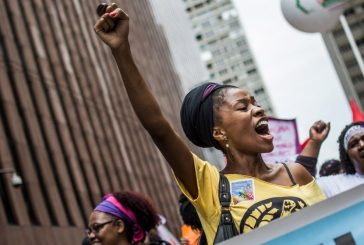 Negras e negros estão mais próximos do feminismo do que brancos no Brasil, aponta pesquisa