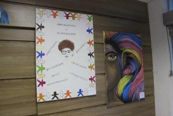 Exposição de pinturas retrata preconceito, diversidade e igualdade racial em Piracicaba