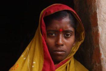 Preconceito com menstruação ameaça trabalho e saúde de mulheres na Índia