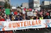 Milhares de alemães protestam contra a violência de extrema-direita