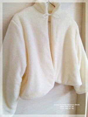 Gelin Ceketi Gelin imitasyon peluş Kürkü hakim yaka uzun kollu ip bağlamalı çift taraflı kullanma özelliği içi dışı yumuşacık peluş polar kumaşımız özel sipariş özel dikim yapılır.standart beden