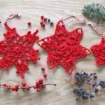 Winterdekoration häkeln mit Sternen und Schneeflocken