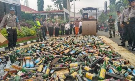 Jelang Natal dan Tahun Baru, Polres Tasikmalaya Musnahkan 2.600 Botol Miras
