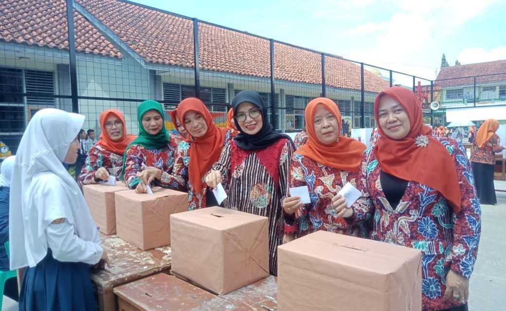 SMPN 10 Tasikmalaya Gelar Pesta Demokrasi Pemilihan Ketua Osis Periode 2018-2019