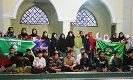 Osis SMA/SMK Pasundan 2 Kota Tasikmalaya Gelar Buka Bersama Anak Yatim di Yayasan Darul Aitam